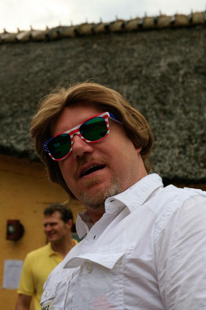 larp jall america sunglasses